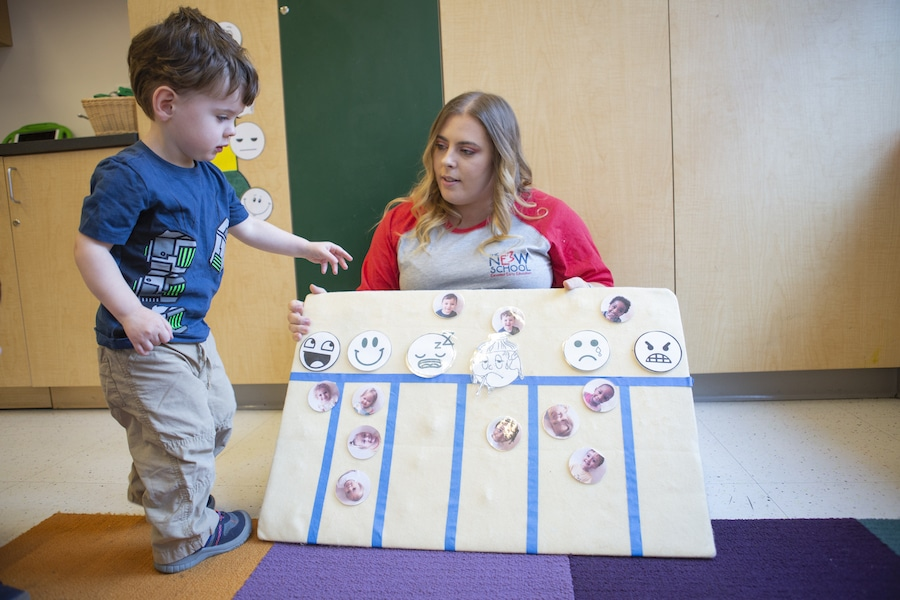 matching emotion cards with pictures